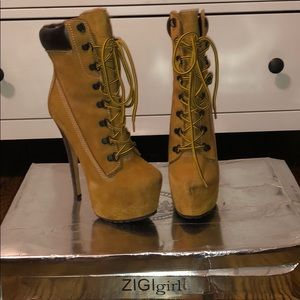 Shoes - Zigi girl NY booties